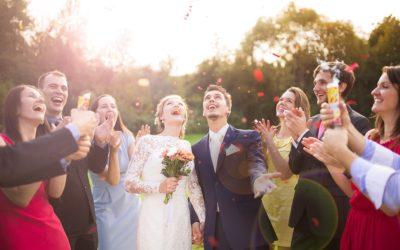 Bien s'habiller pour un mariage : quelques idées de tenues pour homme et pour femme